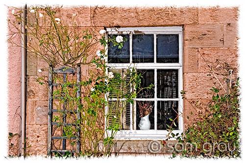 Cottage Window Crail, Color - D700, 24-70mm