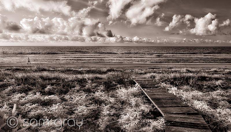 Beach Walk Dreaming - IR, D200, 18-35